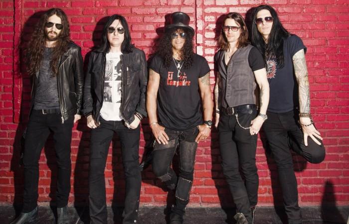 Tek seferde tükenmeyecek Slash albümü: World On Fire