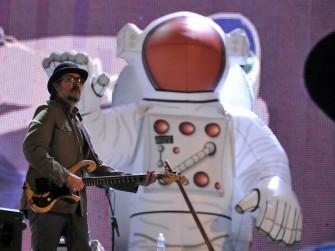 """Dünyanın en """"kafa"""" grubu: PRIMUS Live SWU 2011"""